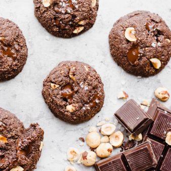 Три варианта за шоколадово-лешникови бисквитки